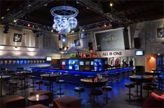 ロックライブが楽しめるセンターステージ/ハードロック ホテル バリ