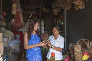 ジンバラン魚市場ツアー