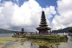 [オプショナルツアー]神秘的タマンアユン寺院&バリ島の避暑地ブドゥグル高原ツアー