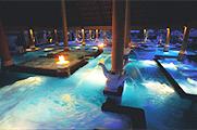 世界最大級のアクアトニックプール/アヤナ リゾート&スパ バリ内
