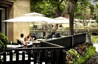 テラスで優雅な朝食やアフタヌーンティーを/インターコンチネンタル バリ リゾート