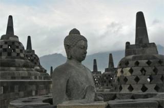 仏像が静かに下界を見下ろしている姿はまさに天国のよう