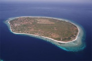 ギリ トゥラワガン島の全景