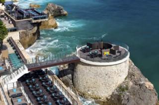 宿泊者はバリ島名所「ロック バー」の予約も可能/アヤナ リゾート&スパ バリ