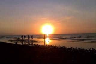 サヌールビーチのサンライズ