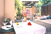 庭園に佇むスパはバリ島旅行必訪/プラマ サヌール ビーチ バリ