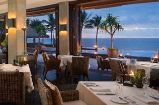 事前のディナー予約で素敵なバリ島旅行を/ザ レギャン バリ(ディナー 一例)