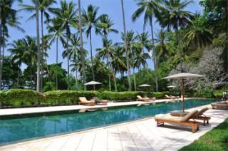 プールやレストランも完備のビーチクラブには/アマンキラ